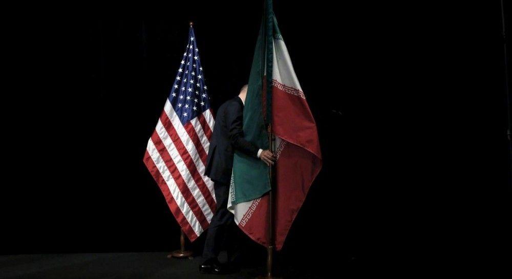 Трамп продлил санкции против Ирана