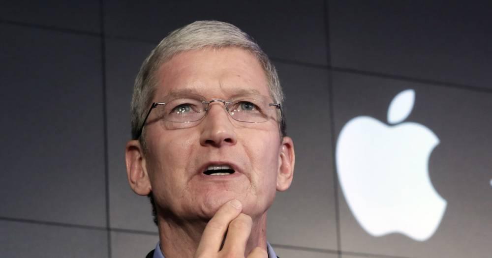 Акции Apple побили рекорды. Капитализация компании близка к $1 триллиону