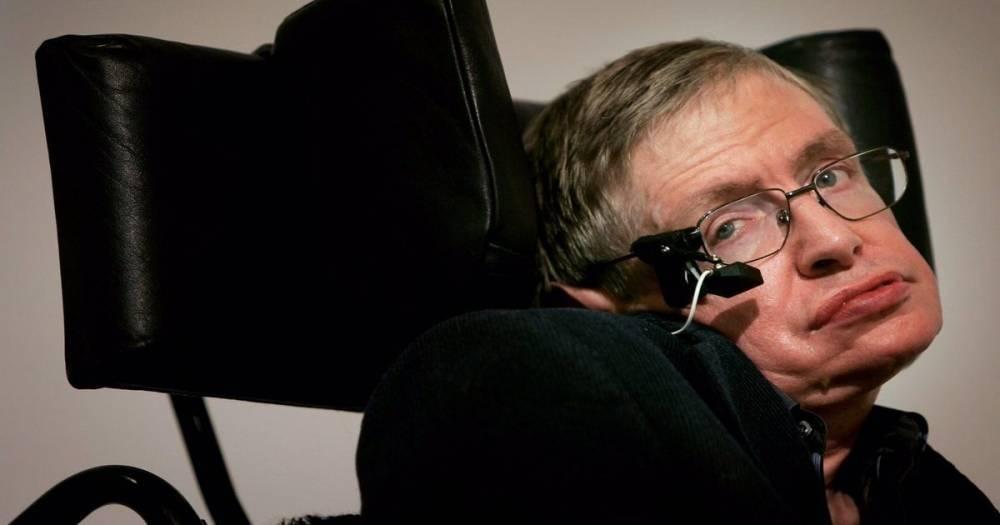 Стивен Хокинг, самая яркая звезда современной космологии, умер в возрасте 76 лет
