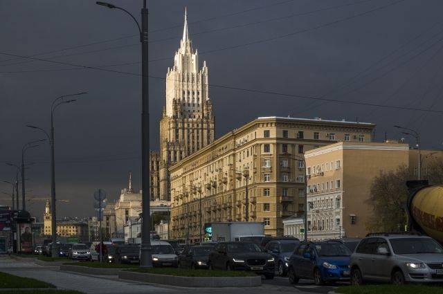 МИД: Киев вмешивается во внутренние дела РФ, не допуская россиян на выборы