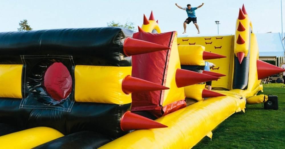 В Британию только на 3 дня едет самый большой в мире надувной парк развлечений. Вот как 100% получить билеты