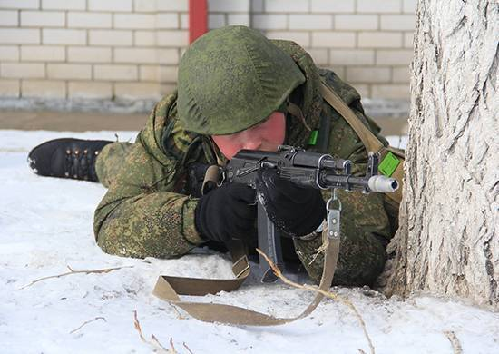 Военнослужащие ЮВО отразили нападение на парк боевой техники под Волгоградом