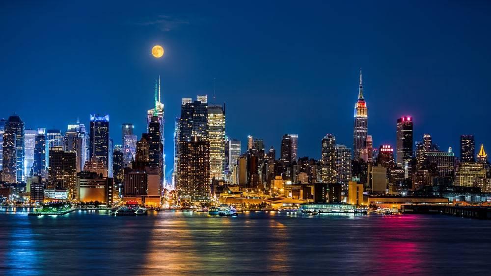 Туристический рекорд: в 2017 году Нью-Йорк посетили 62,8 млн туристов