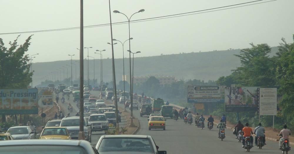 Неизвестные напали на отель в Мали, есть погибший