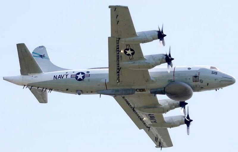 Самолет США провел очередную разведку у морских границ России на Черном море