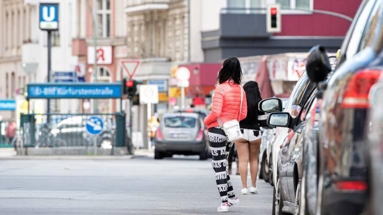 Грязный секс на улицах берлина