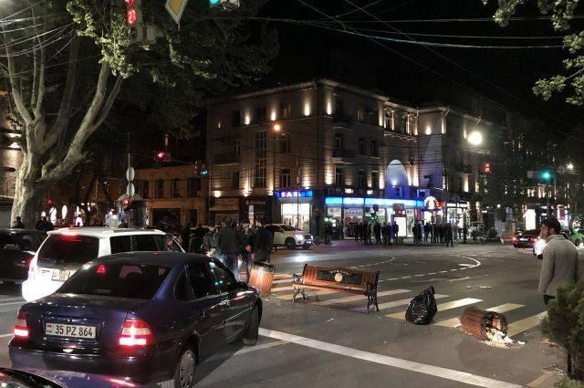 В Ереване протестующие блокировали центральные улицы