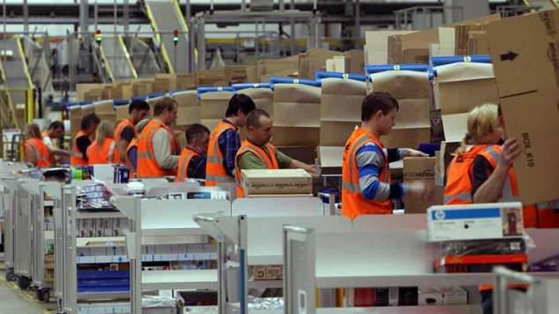 Работа не сахар: половина сотрудников складов Amazon хочет покончить жизнь самоубийством