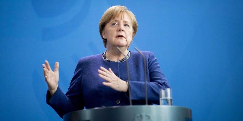 Меркель опечалена проявлением антисемитизма среди беженцев