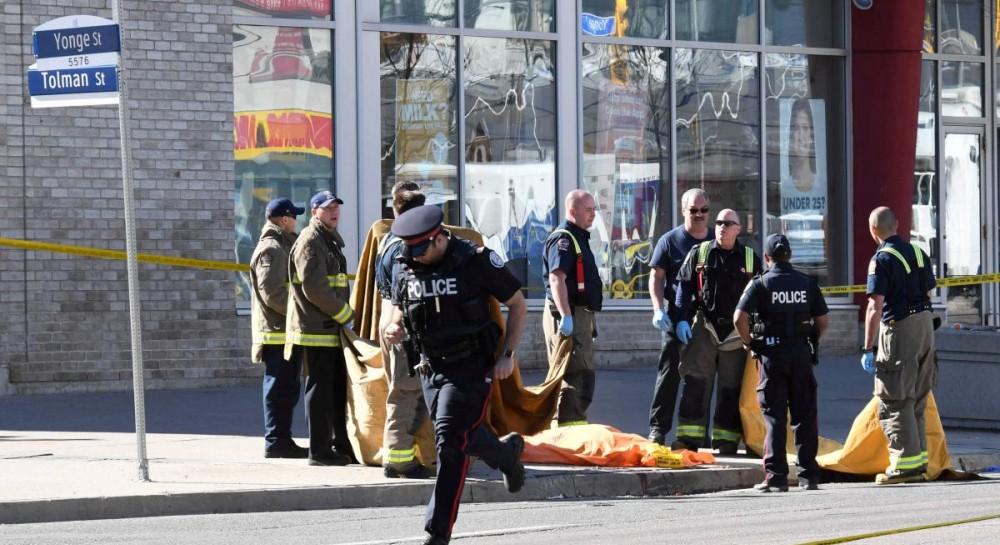 Число погибших при наезде фургона в Канаде выросло до 10 человек