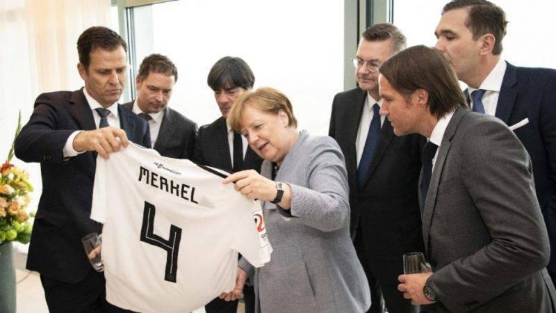 Новый бойкот: Меркель не поедет на ЧМ-2018?