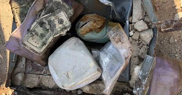 """""""Мы нашли зарытые сокровища!"""": пара выкопала сейф с золотом, бриллиантами и £38 тыс. у себя в саду"""