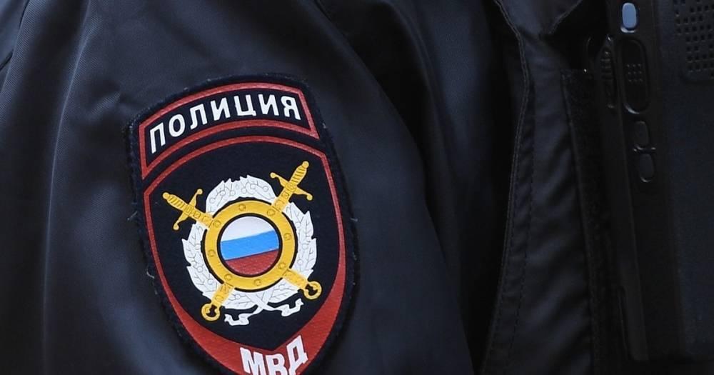 В Новосибирске с авиарейса сняли пассажира за хулиганство на борту