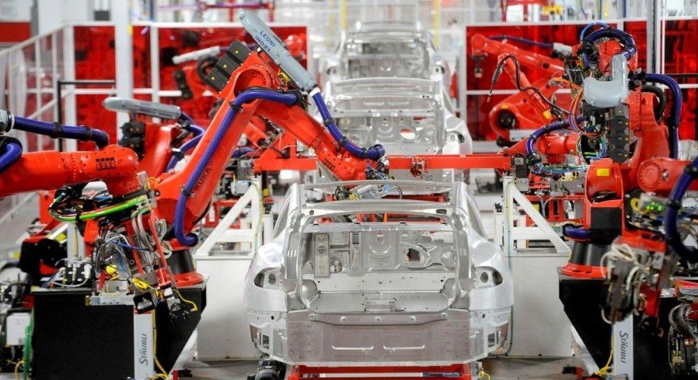 С двумя двигателями: Tesla разработала полноприводную версию Model 3