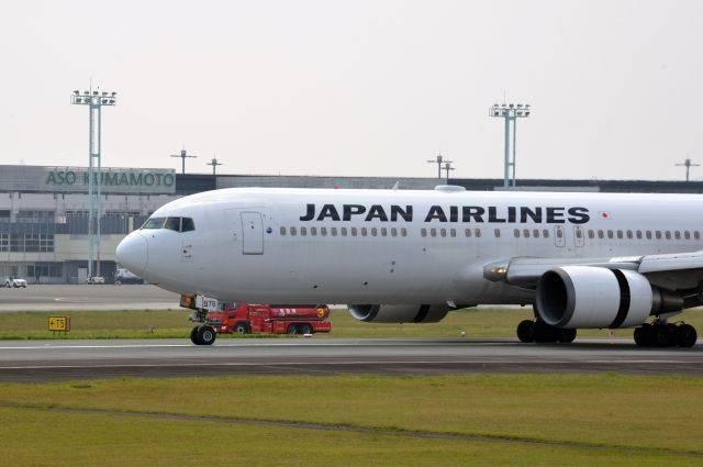 В Японии самолет загорелся на взлете – СМИ