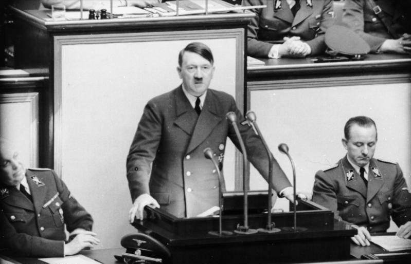 Французские ученые поставили точку в спорах о судьбе Адольфа Гитлера