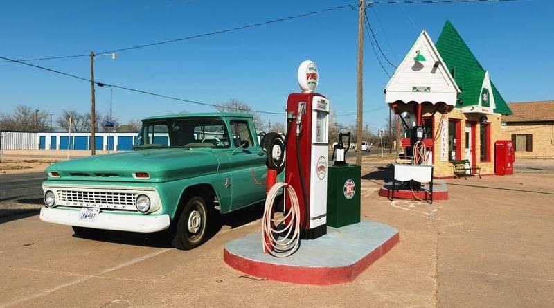 По всем штатам взлетели цены на бензин