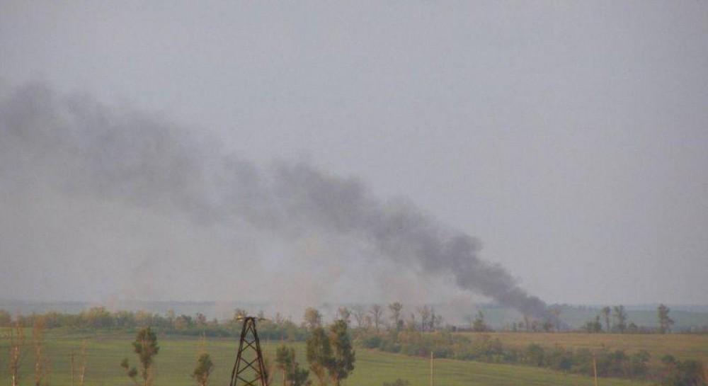 Боевики из тяжелой артиллерии обстреляли поселок под Мариуполем
