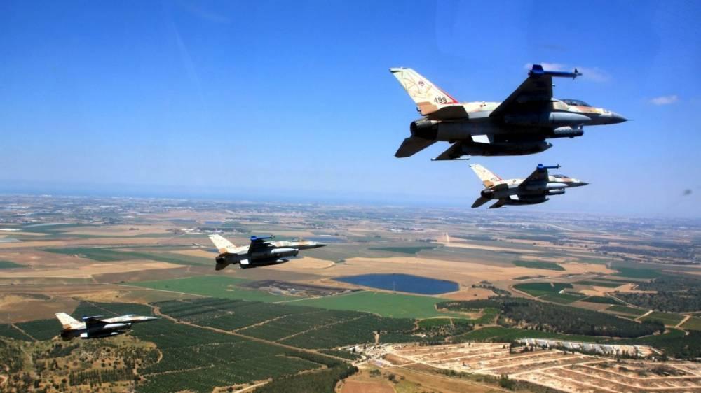 ВВС Израиля уже третий день подряд проводят полеты вдоль границ Сирии