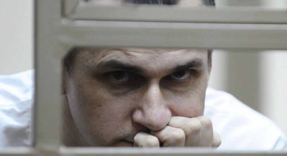 Сестра Сенцова рассказала, что его ежедневно посещает врач
