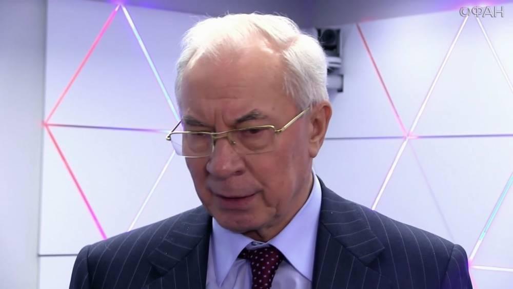 Азаров объяснил, почему нельзя менять журналиста Вышинского на террориста Сенцова