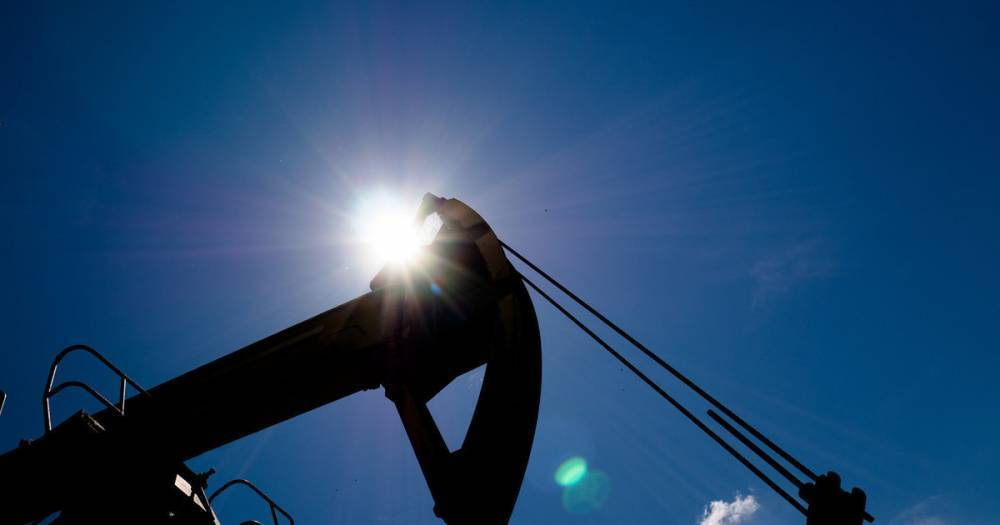 Цены на нефть снизились после сообщений о возможном увеличении добычи ОПЕК