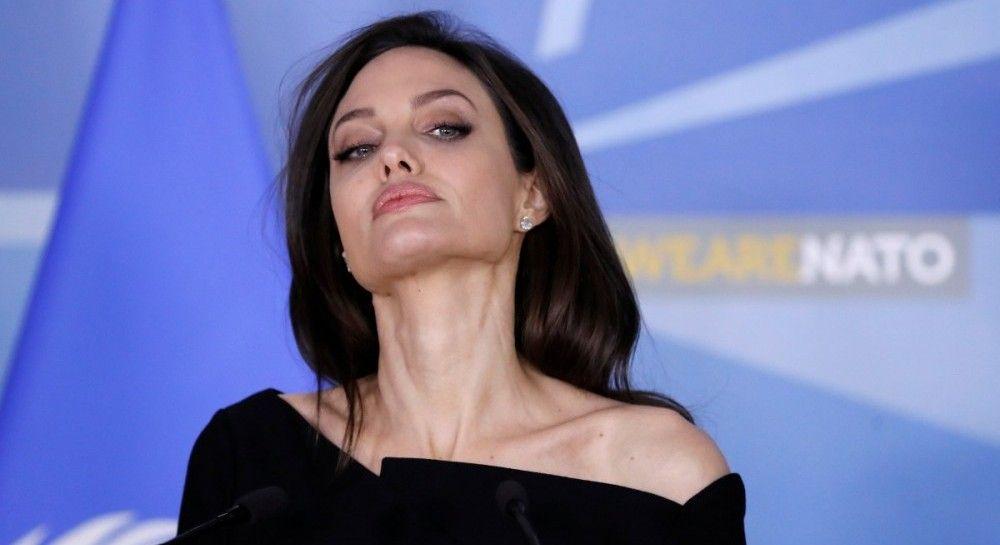 """Журналисты """"довели"""" Анджелину Джоли из-за развода - актриса сделала официальное заявление"""