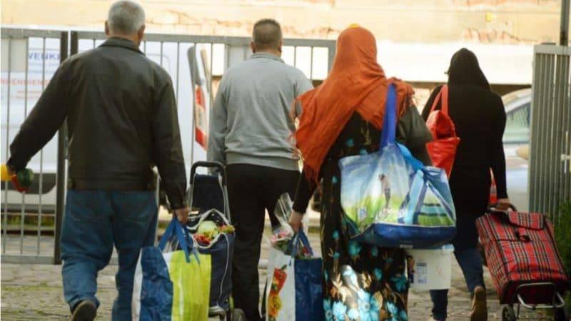 Сокращение выплат беженцам: стали известны другие пункты плана Зеехофера