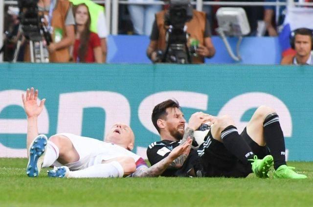 Зачем футболисты симулируют боль?