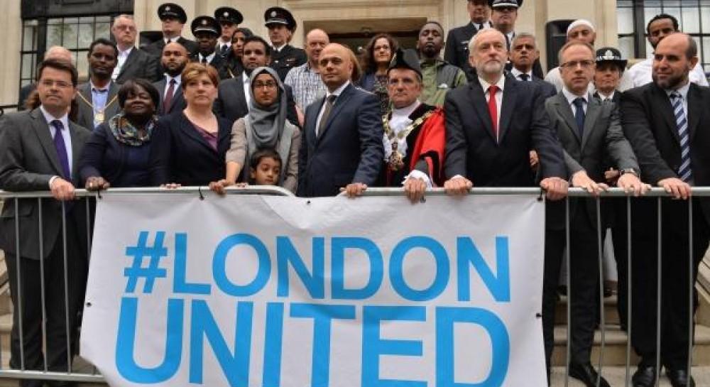 В Лондоне прошла траурная церемония на месте теракта у мечети в прошлом году