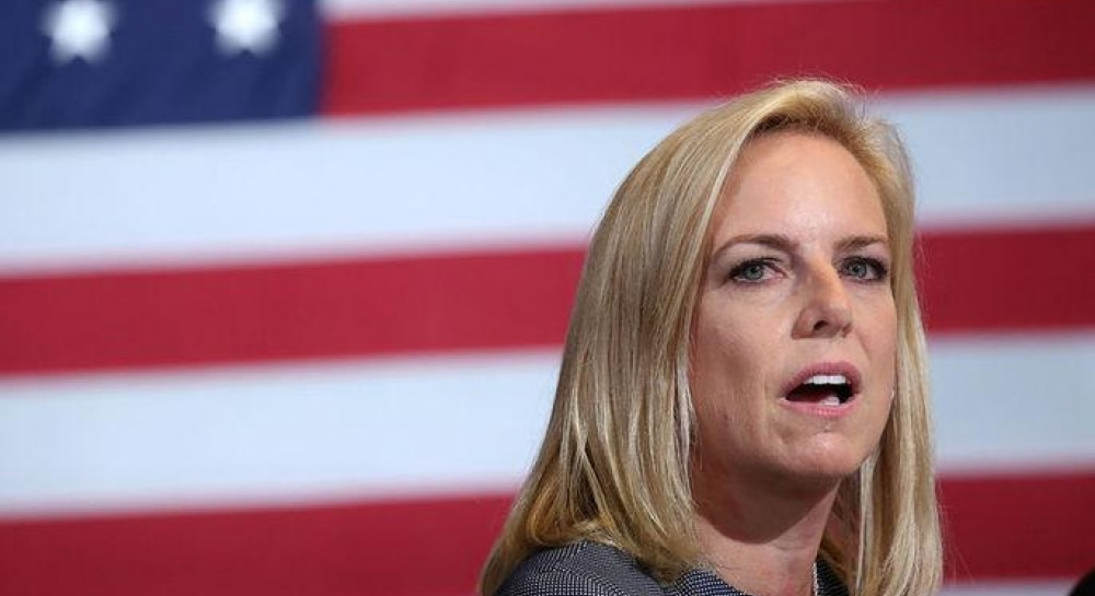 """Позор"": в США министра прогнали из мексиканского ресторана после скандала с мигрантами - СМИ"