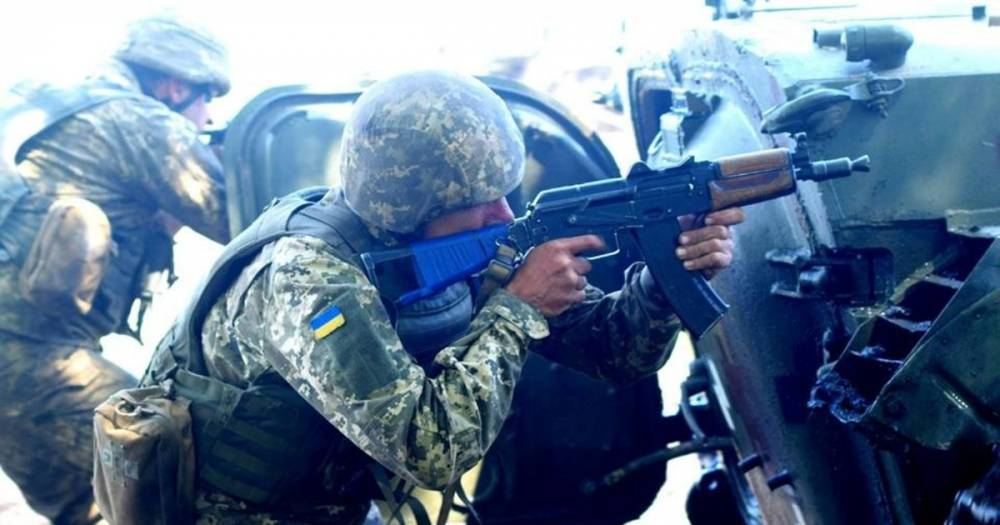 Украинские силовики заявили о продвижении на 2 км вглубь Донбасса