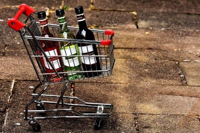 Минфин не собирается повышать минимальную стоимость алкоголя
