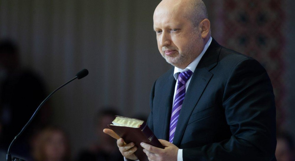 Турчинов прокомментировал скандальные высказывания своей жены о ЛГБТ, вспомнил о Законе Божьем