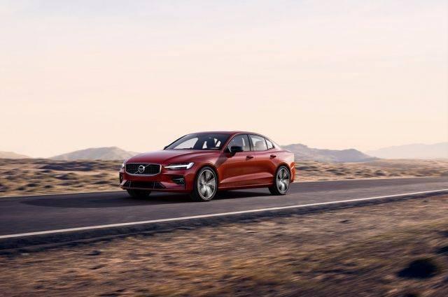 Компания Volvo представила спортивный гибрид S60