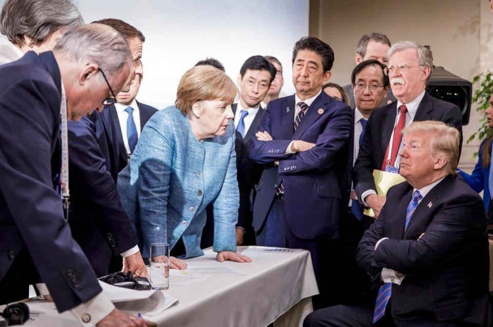 Трамп бросался в Меркель конфетами на саммите G7
