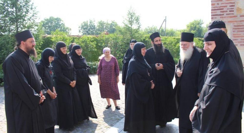Наместник обители Ватопед дал духовные советы сестрам монастыря под Киевом
