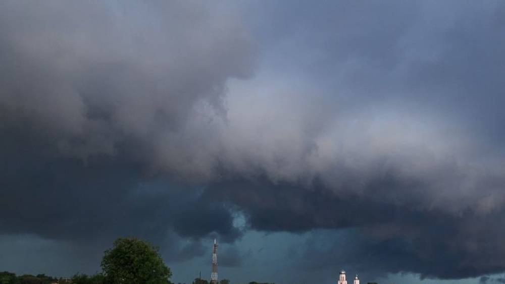 ФАН публикует видео разрушительного урагана в Барнауле