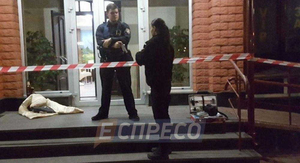 В киевском ресторане владелец расстрелял посетителей: один человек погиб, двое раненых
