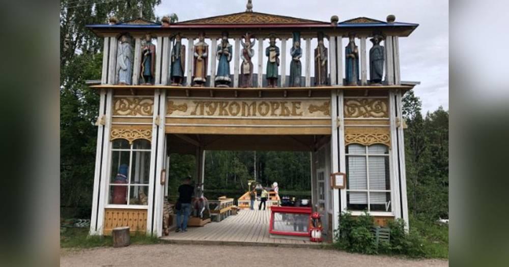 Деревянная скульптура насмерть задавила ребёнка в Ленинградской области