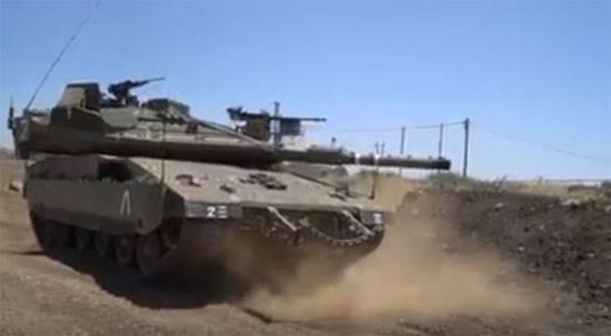 """Израиль перебрасывает дополнительные САУ и танки """"Меркава"""" к границе с Сирией"""