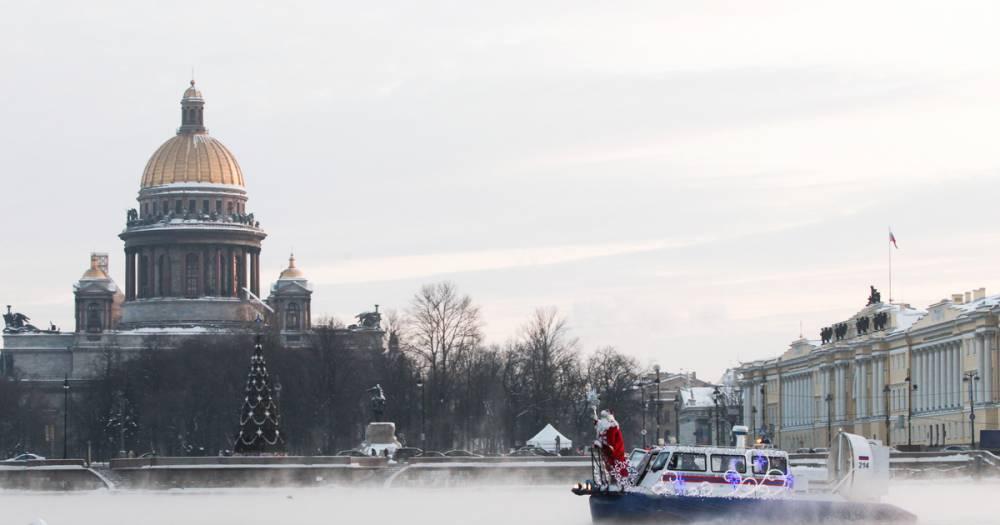 В Петербурге для репетиции военно-морского парада перекроют набережные Невы