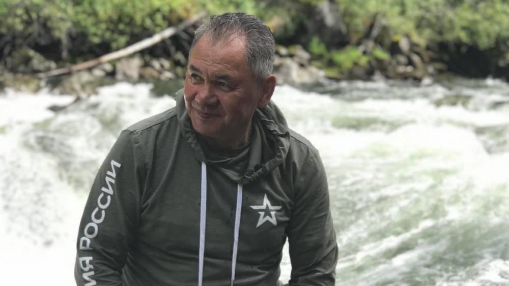 «Так поступают старшие»: глава Тувы рассказал, чему он научился у Шойгу на рыбалке