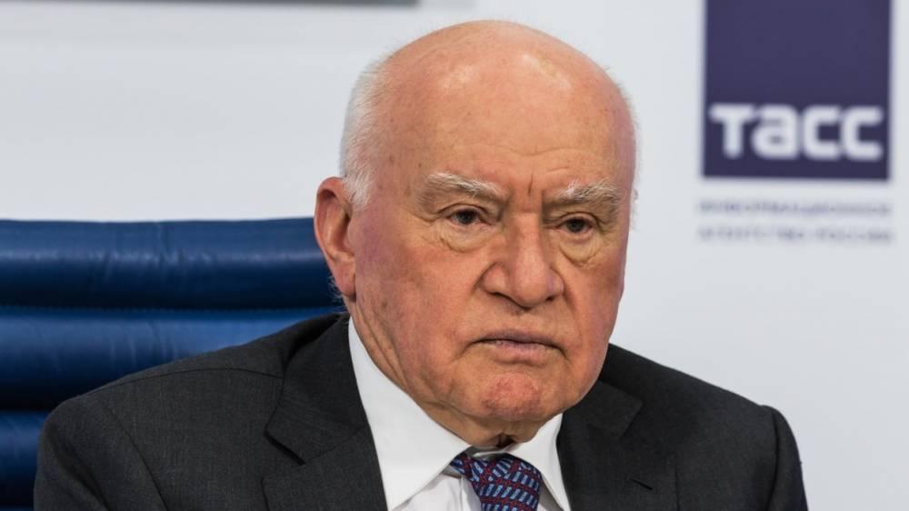 Знаменитый российский кардиохирург объяснил, как работа в пожилом возрасте сохраняет здоровье