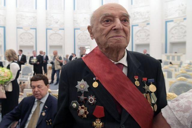 Актера Владимира Этуша госпитализировали в Москве