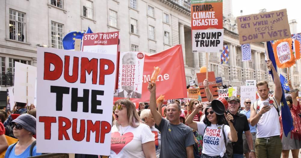 """""""Убирайся домой!"""" В Лондоне десятки тысяч человек вышли на марш против Трампа"""