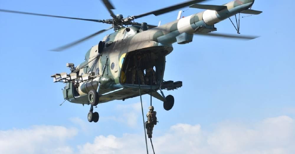 """""""Опасный элемент"""". На Украине отработали высадку с вертолёта на судно-нарушитель"""
