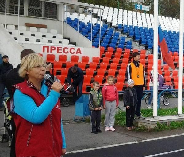 Минпросвет и юнармейцы поддержали уволенную учительницу. Скандал с заметкой о патриотизме