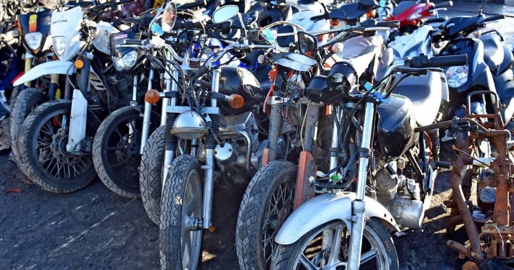 Полиция Большого Манчестера начала войну против банд на мопедах и внедорожных мотоциклах