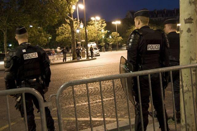 Болельщики во Франции устроили беспорядки в ходе празднования победы на ЧМ